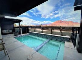 Ocotillo Springs 32 l Sleeps 33, 6 Bedrooms with Private Pool and Hot Tub, vacation home in Santa Clara