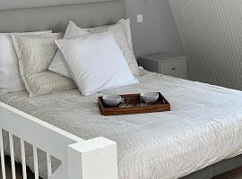 DUPLEX AVEC BALCON CENTRE, apartment in Deauville