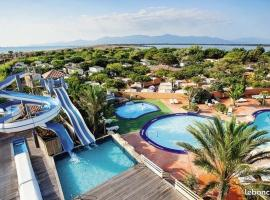 Mobil home 8 personnes, campground in Canet-en-Roussillon