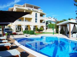 Villa Principessa Podstrana, hotel with pools in Podstrana