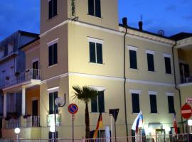 Hotel La Torre, hotel a Rimini, Viserba
