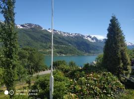 Summer haus, hotell i Syreflot