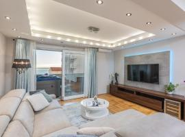 Luxury apartman SKY with sea view and whirlpool, hotel with jacuzzis in Makarska