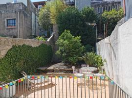 Studio with private garden @ historic center, apartmán v Portu