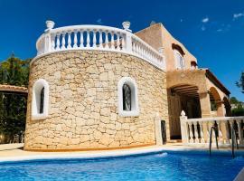 Casa Diego Ibiza, guest house in Santa Eularia des Riu