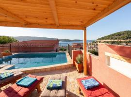 Stunning home in Vis w/ Outdoor swimming pool and 2 Bedrooms, beach hotel in Vis