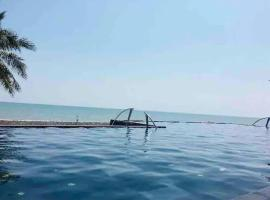 Boathouse huahin boat house by the sea(可以看海的家), apartment in Hua Hin