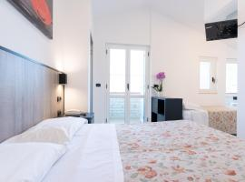 Hotel Saint Tropez - Pineto, hotel in Pineto