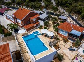 Villa Chiara, hotel with pools in Rogoznica