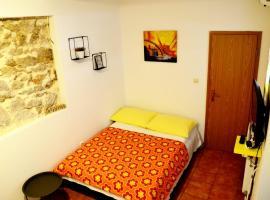 Soba za dvoje, apartment in Vodice
