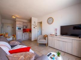 T2 en hypercentre -parking privé-clim-proche plage, apartment in Sainte-Maxime