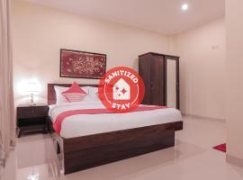 OYO 133 Griya Ciaji, hotel near Kalibata City Square, Jakarta