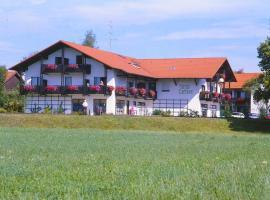 Pension an der Linde, Hotel in Bad Birnbach