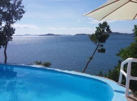 Pearl Bay Villas, villa in Concepcion