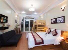 Family Homestay In Old Quarter Hanoi Private Bath, nhà nghỉ B&B ở Hà Nội