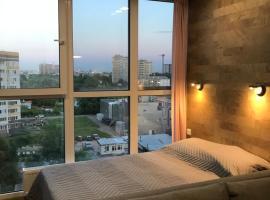 Apartment Barudi, отель в Казани, рядом находится Зилантов Свято-Успенский монастырь