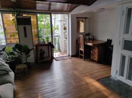 Little Noah share apartment, vacation rental in Yangon