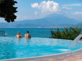 Camping Bergamini, glamping site in Peschiera del Garda