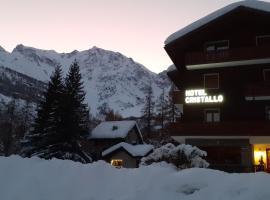 Hotel Cristallo, hotell i Macugnaga