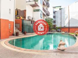 OYO 581 The Album Loft@nanai, hotel in Patong Beach