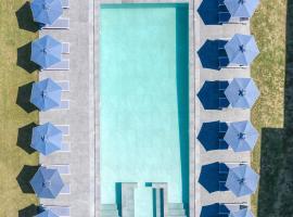 La Maison Corfu, khách sạn ở Ýpsos
