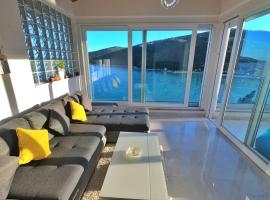 Apartment More 13, room in Rabac