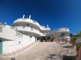 Hotel Falco D'oro, hotel a Cisternino