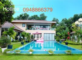 Flamingo Happy Villa Owner, hotel with pools in Dai Lai