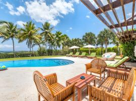 Unique Villa with Ocean and River Views - Staff & Golf Carts, hotel with jacuzzis in La Romana