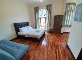 Eden Cosy Living, homestay in Batu Ferringhi
