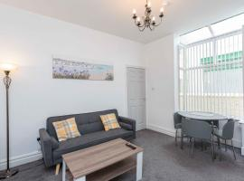 Cherry Property - Harrowside, apartment in Blackpool