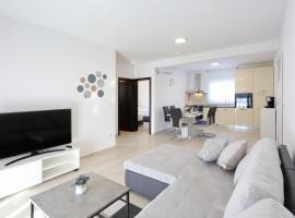 Apartments Lisac, budget hotel in Vir