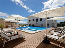 MODENA MARIS-new swim-grill-relax-jacuzzi apartments, hotel with jacuzzis in Ičići