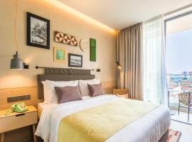 Hotel Indigo Larnaca - Adults Only, hotel in Larnaka