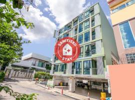OYO 1061 Peaberry Place Apartment, hotel in zona Centro commerciale CentralPlaza Ladprao, Bangkok