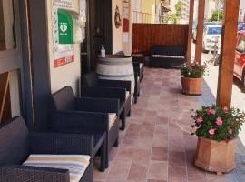 Piccolo Hotel, hotell i Rosignano Solvay
