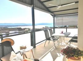 Lovely Sea View Apartment in Malinska (Island Krk), hotel in Malinska