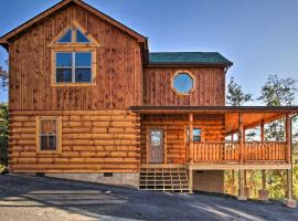 Bear Creek Retreat: High End Cabin with Indoor Pool, Hot Tub, and Pool Table!, vacation rental in Sevierville