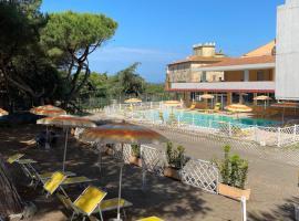 Hotel Paradiso Verde, hotell i Marina di Bibbona