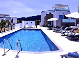 Xenos Villa 4 - Luxury Villa With Private Swimming Pool Near The Sea, budget hotel in Tigaki
