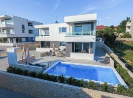 Fantasy Pool Villa, self catering accommodation in Novalja