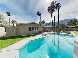 2BR/2BA Modern Retreat: Pool & Spa, Near Downtown Palm Springs home, vacation rental in Palm Springs