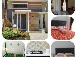 Villa keluarga permata batu, accessible hotel in Batu