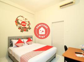 OYO 397 Daily Guest House, hotel in Medan