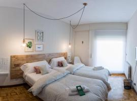 Alojamientos Estela, hotel perto de Aeroporto de Pamplona - PNA,
