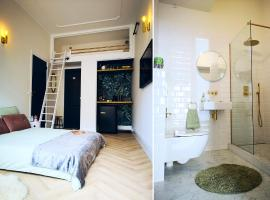 Luxurious Central Studio in Monumental Warehouse, budget hotel in Rotterdam