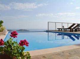 Elounda Sunrise Villa, pet-friendly hotel in Elounda