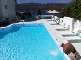 Scorpios Hotel & Suites , παραλιακό ξενοδοχείο στη Σάμο