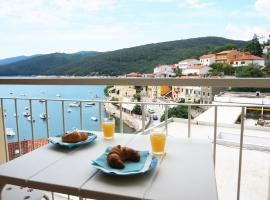 Apartment Layla with sea view in heart of Rabac, room in Rabac