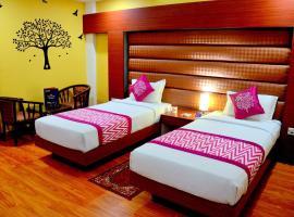 Hotel Geetika Galaxy, hotel near Kanpur Airport - KNU,